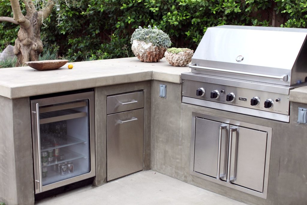 Concrete Summer Kitchens-Tampa Custom Concrete Pros-We offer custom concrete solutions, Polished concrete, Stained concrete, Epoxy Floor, Sealed concrete, Stamped concrete, Concrete overlay, Concrete countertops, Concrete summer kitchens, Driveway repairs, Concrete pool water falls, and more